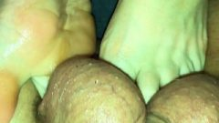 Amateur Footjob #42 Close Up Toes Playing With Balls, Ballbusting And Jizz