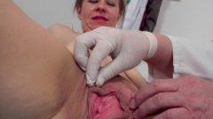 Close Up Twat Inspection Of Czech Mature Woman