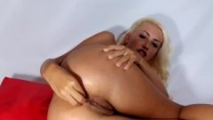 Close-up Anal Banging Huge Sextoy