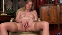 Authentic Orgasm For Amateur Mom